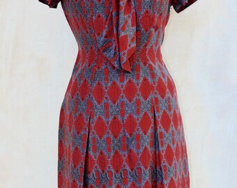 Hand made 1950s,50s,dress,tie collar, silky feel fabric,side seam zip,tailored,red,grey and blue fabric,larger size,frock,dress,lightweight