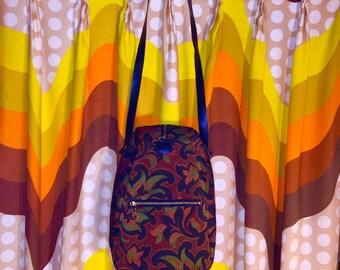 Vintage 1960s Groovy Shoulder Strap Camera Bag Purse Beautiful! No Leather
