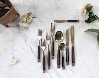the Juliet Rosewood and bronze place setting