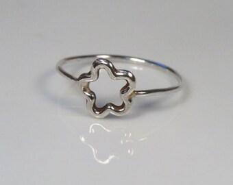 Delicate sterling silver flower ring for daughter, flower girl gift, little girl jewelry