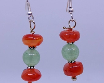 Aventurine and carnelian beds in sterling silver make a pair of beautiful hanging earrings.