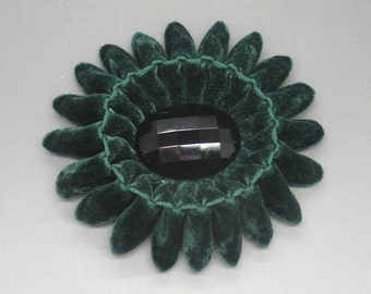 Deep Green Oval Velvet Cocarde Cockade With Antique Button