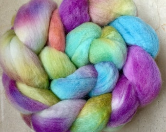 Hand dyed roving, Polwarth, hand dyed top, Handspinning, spindling, fiber, fibre, wool sliver, felting materials, felting projects, spinning