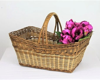 Vintage Wicker Shopping Basket/Vintage Cane Shopping Basket/1960's Basket (Ref1994A)