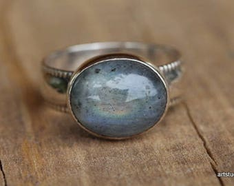 Natural Labradorite Ring. Sterling Silver Ring. Oval Labradorite Ring. Blue Labradorite. Gemstone Ring. Labradorite Jewelry *custom made