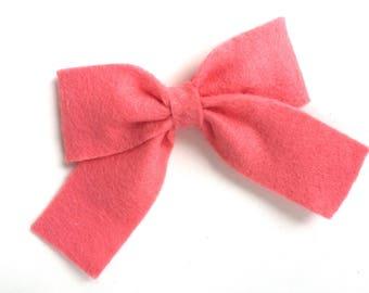Coral felt hair bow - felt bows, hair bows, bows, hair clips, hair bows for girls, hair clip, hair clips for girls, baby bows, felt hair bow