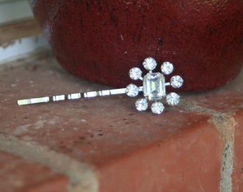 H38 Vintage Flower Rhinestone Diamond Clear Upcycled Hair Pin