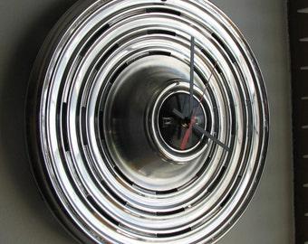 1969 Pontiac Hubcap Clock   no.1462