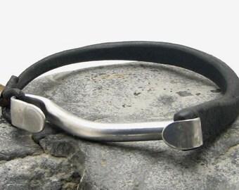 Men's leather bracelet Black shoe sole leather bangle men's bracelet with hammerd metal work clasp