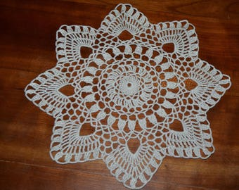 Ecru round doily, handmade, 25 cm, crocheted with cotton color choice..
