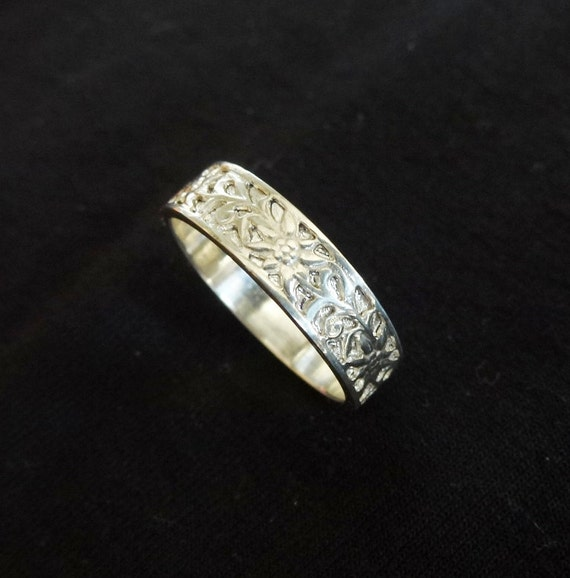 Edelweiss Ring Floral Wedding Band Sterling Silver Flower