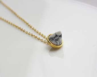 White marble cone-gilded necklace