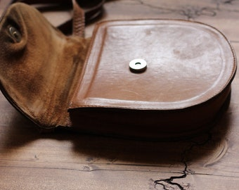 Half-moon leather bagVintage leather bag, vintage brown leather shoulder bag,Simple  vintage leather  handbag, Little brown leather bag,