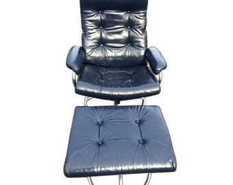 Plycraft Recliner Lounge Chair and Ottoman in Blue