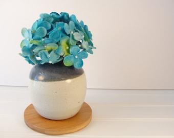 Small Round Vase, Small Bud Vase, Flower Vase, Ceramic bud vase, Pottery Flower Vase, Table Decoration, Bathroom Decor, Small gift ideas.