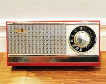 Rare Vintage 1964 SANYO 8C-028P Portable 8 Transistor Radio, Working