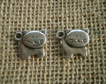 Set of 2 cats in silver metal charms, size 1.7 x 1.5 cm