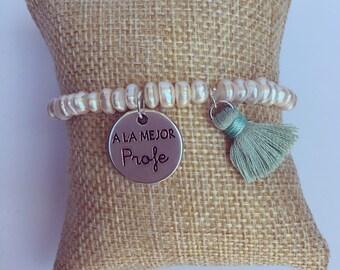 Pearl bracelet to the best teacher