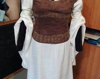 """Eowyn Cosplay, costume from """"The Lord of the Rings"""""""