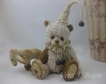 Crochet Hat for miniature artist for bear or doll handmade