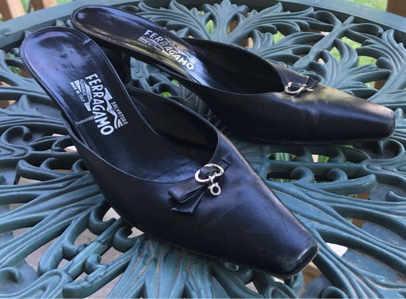 B Scuffed Italy 90s Kitten Shoes Vintage Made Heel Black Ladies Fashion Size 10 Salvatore Mules In Leather Ferragamo wqWxTF14RP