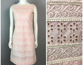 Vintage 1960s Pink and White  Floral Embroidered Eyelet Wiggle Dress / Women's Medium / 60s Sleeveless Spring Dress Rockabilly
