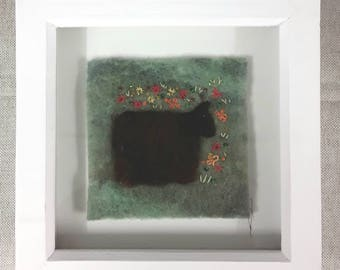 """Sheep in the Meadow Felt and Stitch framed picture. 4""""x 4"""" (10 x 10 cm)"""