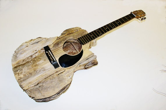 Spécial guitare bois flotté Sculpture grandeur du musicien
