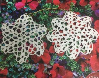 2 Vintage crochet doily Christmas ornament ,/ Vintage Christmas Ornament / crochet doily ornament/ christmas deco