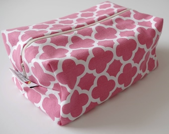 Cosmetic case, diaper case, box pouch, baby diaper pouch, toiletry bag, travel bag, accessory bag, zipper pouch.