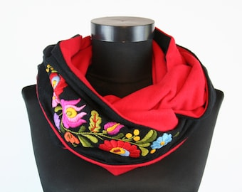Woman infinity scarf - circle scarf - loop scarf -  hand embroidered - hungarian matyo embroidery - black red