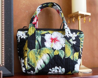 Quilted Handbag Hibiscus Flower Bag/Zippered/Pocketbook