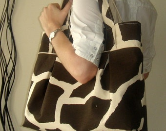 Weekend Tote - Giraffe Print - Natural Canvas Lining