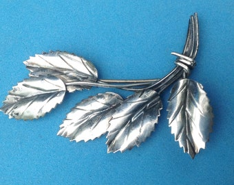 Sterling silver 5 leaves handcrafted vintage pin