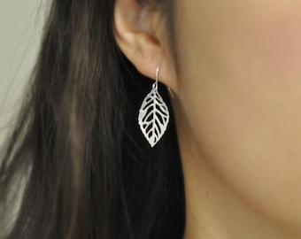 Silver Leaf earrings, everyday earrings, modern look, bridesmaid earrings, silver leaf earrings, jewel mango