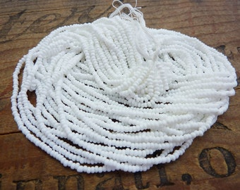 Vintage Glass Seed Beads Bright White Size 11 Seed Bead Hank SB1155