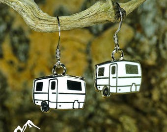 Trillium Earrings, Escape Trailer Earring, Trillium Ear Ring, Vintage Camper, Glamping Gift, Camping Accessory, Vintage trailer, Vintage RV