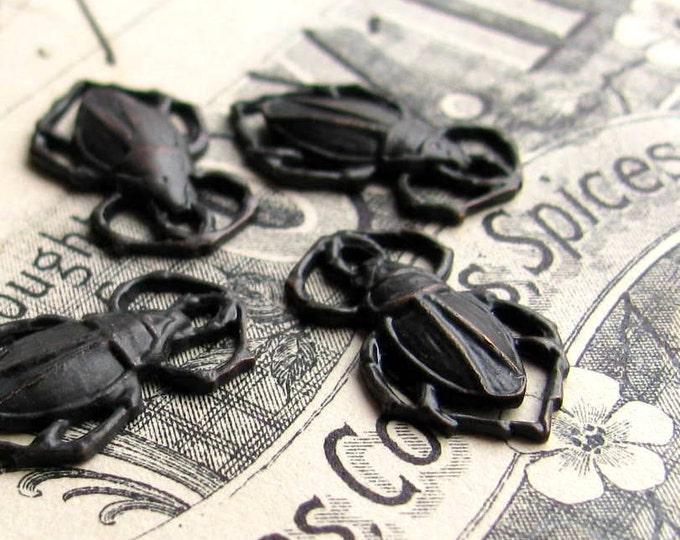 Scarab beetle charms, from the Wicken Fen collection - 18mm - antiqued black brass (4 black beetle charms) aged patina, link connectors