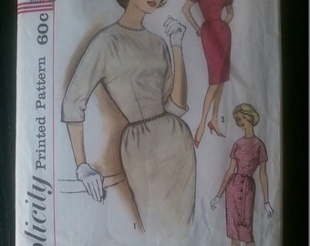 Simplicity 4022 authentic vintage printed pattern from 1960's - Junior's and misse's one-piece dress - size 13 bust 33