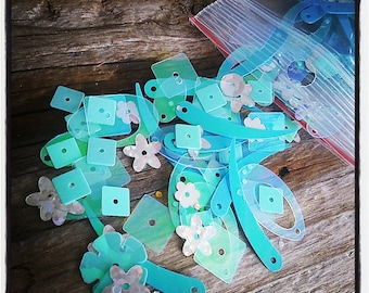 10 g sequins flowers, leaves, square shapes different shades of Blues