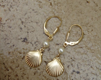 Gold Earrings in 585 gold filled cultured pearl and shell