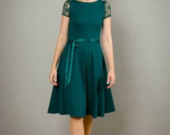 """Kleid """"Tiffany"""" mit Rückenausschnitt und Tellerrock in dunkelgrün"""