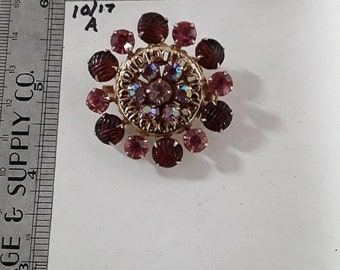 10%OFF3DAYSALE Gold toned flower pin brooch multiple shades of pink rhinestones used