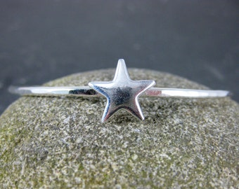 Star Bangle Bracelet, Sterling Silver Bracelet, 4th of July, Patriotic, USA, Simple Minimalist Jewelry, Hammered Silver Stacking Bracelet