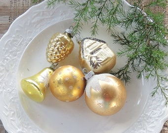 Vintage Blown Glass Gold and White Christmas Tree Ornaments Set of 5 Holiday Decor Tree Trimming Mercury Glass Ornaments