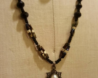 knot moden necklace