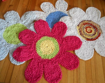 Custom made to order handmade crocheted daisy rug in your choice of colors made from upcycled sheets washable/dryable/reversible