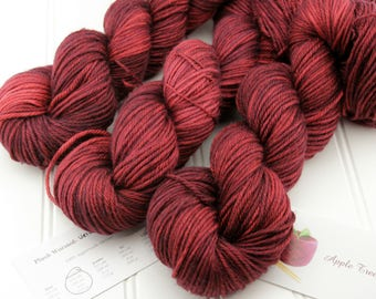 Plush Worsted, 4 oz - Velvet Ropes - 100% superwash merino hand dyed, tonal semisolid yarn