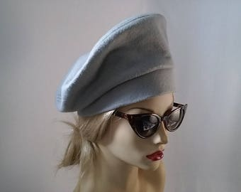 Light  Gray Felt Vintage Style Beret Hat