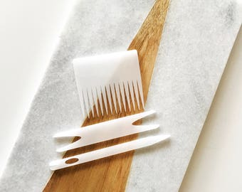 Translucent White Weaving Needle and Comb